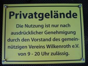 Bolzplatz 2 300x225 Bolzplatz   bitte Regeln beachten:
